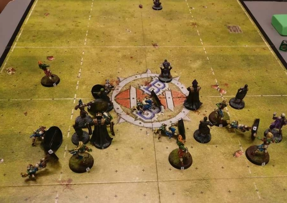 A busy Bloodbowl Match in action